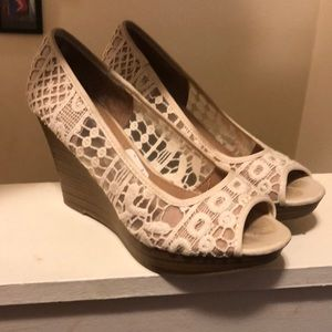 American eagle lace wedges